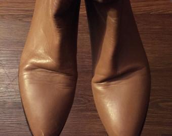 Vintage cobbies mid calf boots
