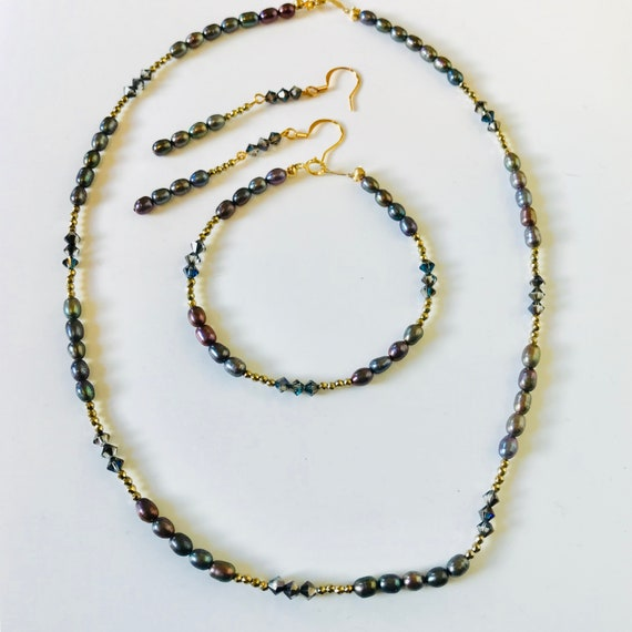 Freshwater Peacock Pearl Necklace, Bracelet and Earring Set