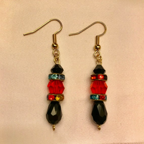 Fashionable Red Crystal and Black Glass Dangle Earrings