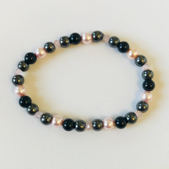 Pretty Pearls with Hematite and Onyx Bracelet