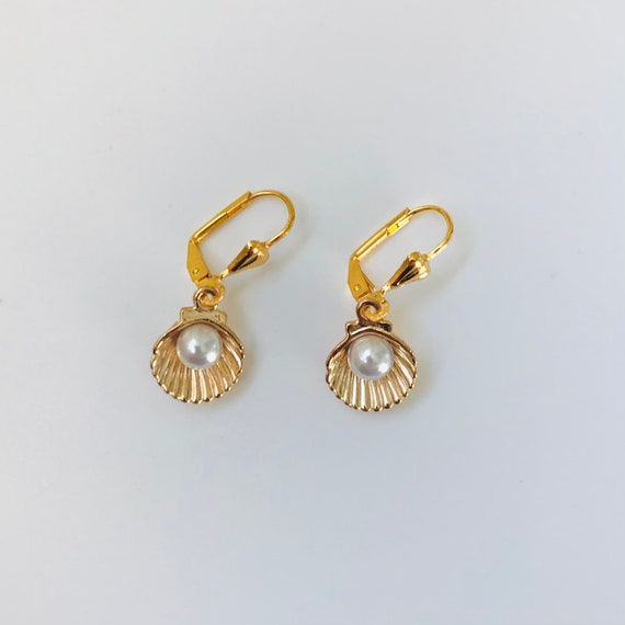 Golden Seashells Pearl Earrings