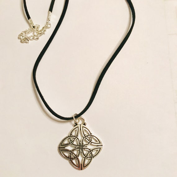 Silver Celtic Knot Pendant Necklace