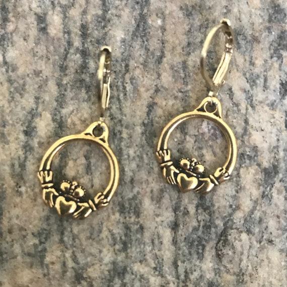 The Caitlin Claddagh Gold Earrings