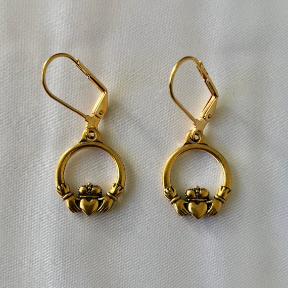 The Caitlin Claddagh Earrings