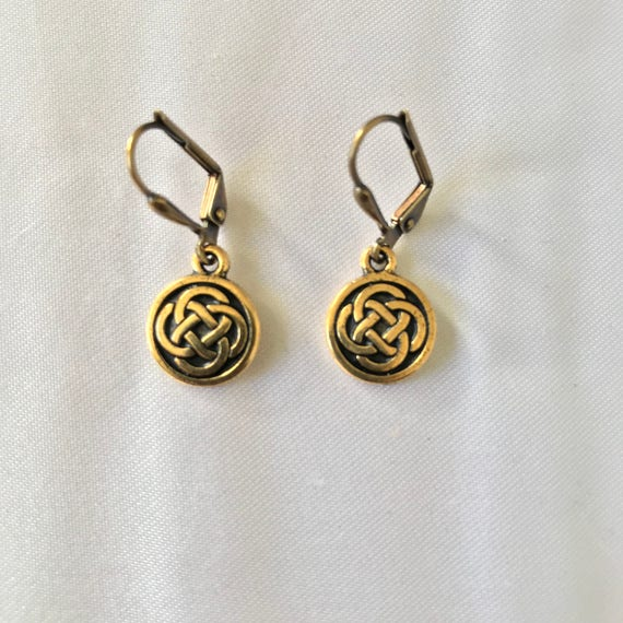 Liam's Leverback Classic Celtic Knot Earrings