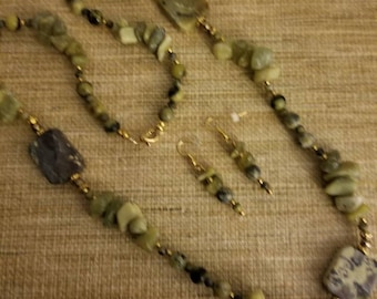 Serpentine, yellow turquoise necklace
