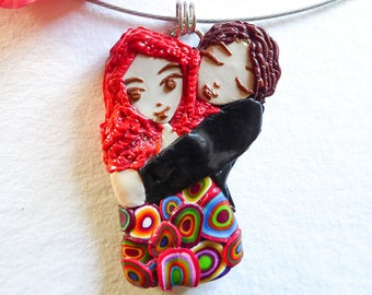 Necklace with pendant worked in fimo Lovers again
