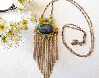 Lapis lazuli graphic necklace on foam