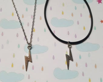 Lightening bolt necklace, Lightening bolt, Rainy day, Thunderstorm, Storm, Pendant necklace, Weather, Whimsical jewellery, Unique, Gift idea