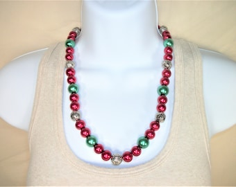 Red and Green Beaded Necklace, Christmas Necklace, Christmas Jewelry, Holiday Necklace, Holiday Jewelry, Stocking Stuffer, Gift for Her