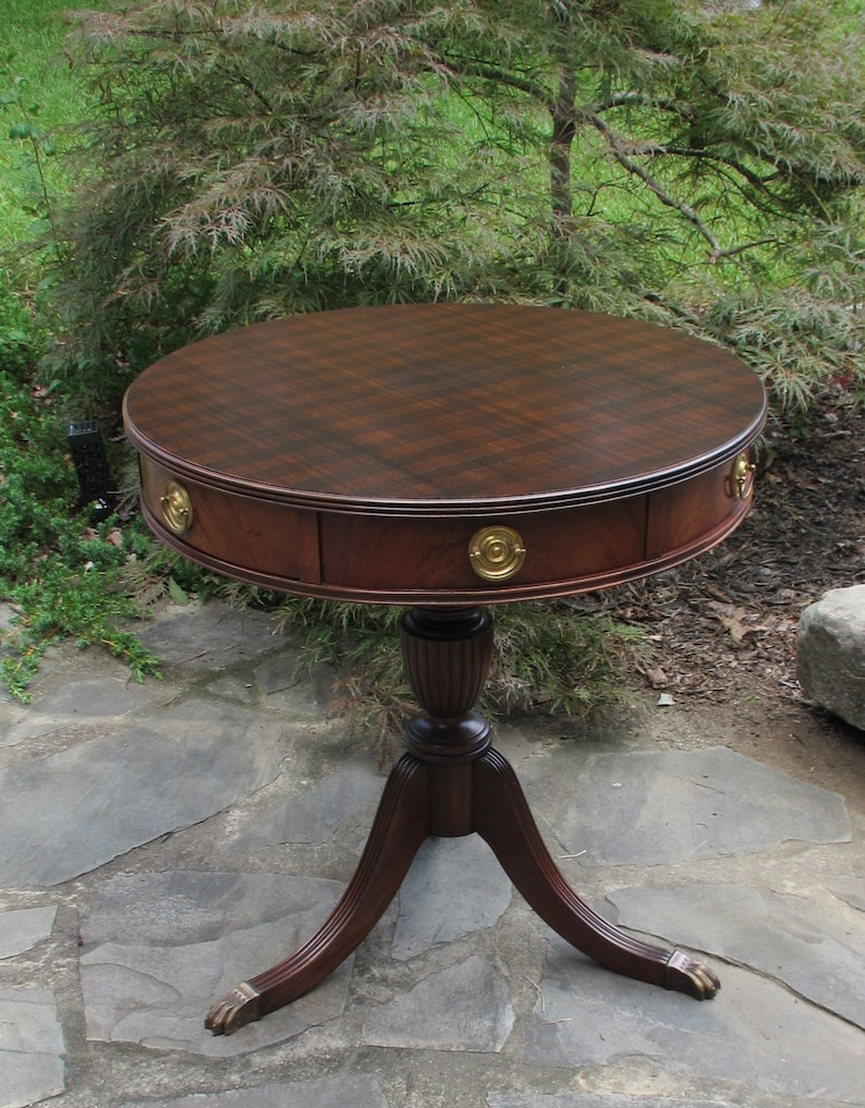 0c0f38cc9a19 Vintage Wells Furniture Co Drum Occasion Entryway Foyer Round