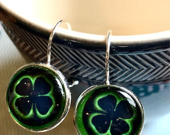 Shamrock cabochon earrings- 16mm