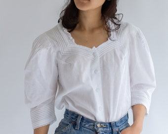 Vintage White Cotton Sweetheart neckline Shirt | Pleated Ruffle Romantic Folk Blouse | XS S
