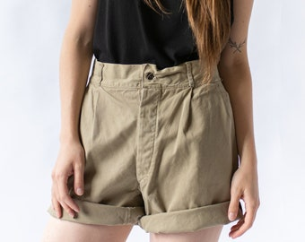 Vintage 28 29 30 31 32 33 34 35 36 Waist Pleat Khaki Twill Chino Shorts | UNISEX Italian Italy High Rise Workwear | Button Fly |