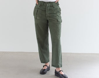 Vintage 26 27 Waist Olive Green Fatigues | Cargo Trousers | Pleated Army Pants | AP164