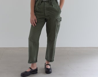 Vintage 27 Waist Olive Green Fatigues | Cargo Trousers | Pleated Army Pants | AP168