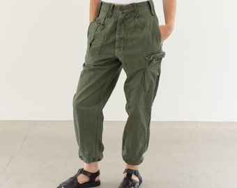 Vintage 27 Waist Olive Green Fatigues | Cargo Trousers | Pleated Army Pants | AP148