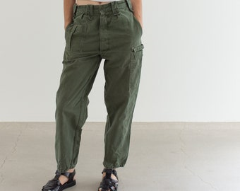 Vintage 27 Waist Olive Green Fatigues | Cargo Trousers | Pleated Army Pants | AP155