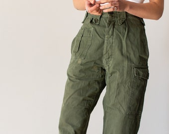 Vintage 27 Waist Olive Green Fatigues | Cargo Trousers | Army Pants | AP122