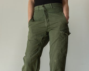Vintage 28 Waist Olive Green Fatigues | Cargo Trousers | Army Pants | AP134