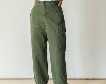Vintage 27 Waist Olive Green Fatigues | Cargo Trousers | Army Pants | AP136