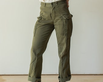 Vintage 27 Waist Olive Green Cargo Pants | Fatigues Trousers | Army Pants | AP110