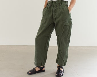 Vintage 28 Waist Olive Green Fatigues | Cargo Trousers | Pleated Army Pants | AP151