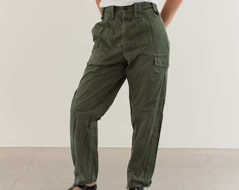 Vintage 26 Waist Olive Green Fatigues | Cargo Trousers | Pleated Army Pants | AP142