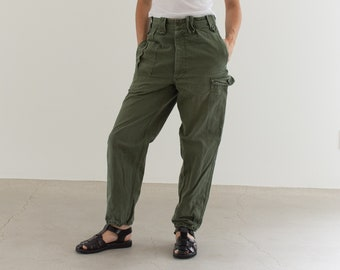 Vintage 28 Waist Olive Green Fatigues | Cargo Trousers | Pleated Army Pants | AP143