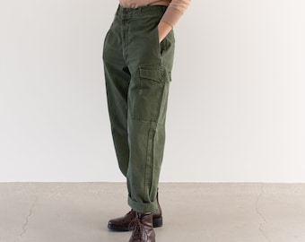 Vintage 27 Waist Olive Green Fatigues | Cargo Trousers | Dutch Army Pants | AP172