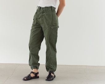 Vintage 27 Waist Olive Green Fatigues | Cargo Trousers | Pleated Army Pants | AP138