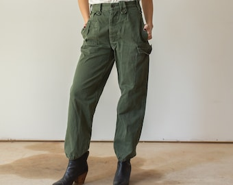 Vintage 27 Waist Olive Green Fatigues | Cargo Trousers | Army Pants | AP102