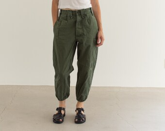 Vintage 27 Waist Olive Green Fatigues | Cargo Trousers | Pleated Army Pants | AP156