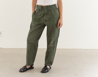 Vintage 28 Waist Olive Green Fatigues | Cargo Trousers | Pleated Army Pants | AP145