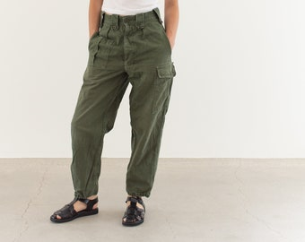 Vintage 27 Waist Olive Green Fatigues | Cargo Trousers | Pleated Army Pants | AP146