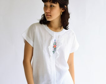 Vintage White floral Embroidery Short Sleeve  Blouse | Cotton Folk Blouse | S M