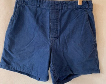 Hanger Sale FINAL Sale | Vintage 30 Waist Blue Denim Shorts | DS31