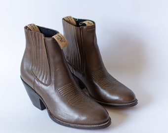 Size 9-9.5   Vintage Deadstock 80s Western Boot   Brown Chelsea Boots  