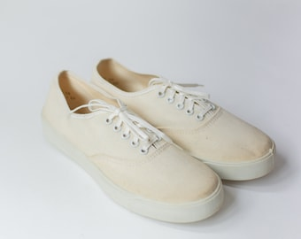 Size 7.5 | Vintage Off White Canvas Low Top Sneakers | USA MADE |