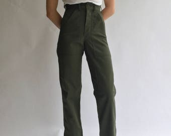 Vintage 24 25 Waist Army Pants | Petite Cotton Poly Utility Army Pant | Green Fatigue pants | og 107 USA | XXS XS |