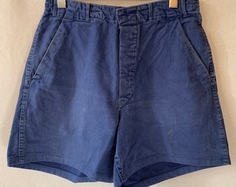 Hanger Sale FINAL Sale | Vintage 30 Waist Blue Denim Shorts | DS21