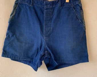 Hanger Sale FINAL Sale | Vintage 32 Waist Blue Denim Shorts | DS16