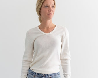 The Odense Thermal   Vintage Cotton Blend White Long Sleeve thermal   Scoop Neck Layer   M L