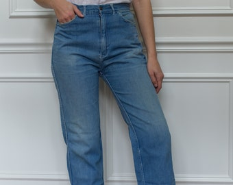 Vintage 29 Waist Blue Wash Straight Leg Jean | Sun Faded 70s | Mid Blue |
