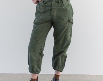 Vintage 27 Waist Olive Green Fatigues | Cargo Trousers | Pleated Dutch Army Pants | AP170