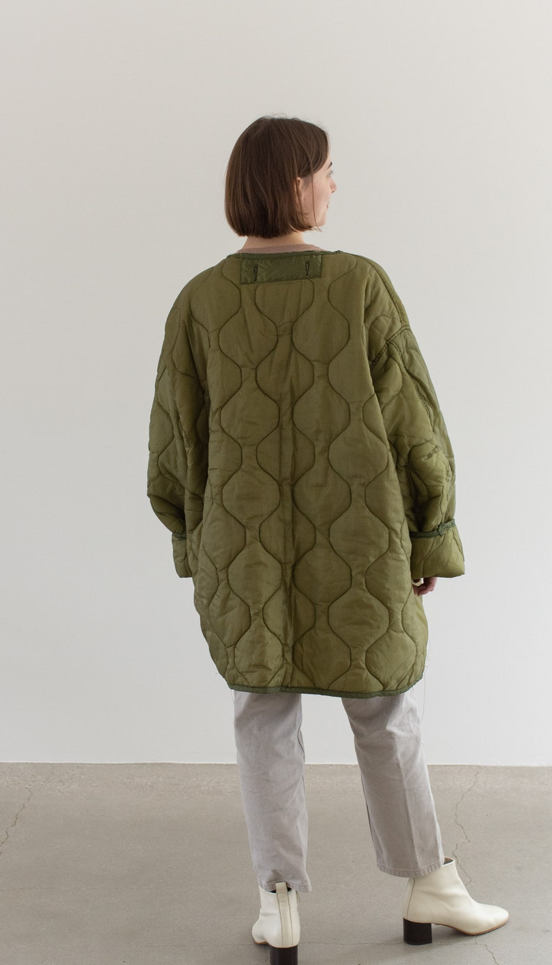 LI014 Vintage Green Liner Jacket White Buttons L XL Quilted Nylon Coat