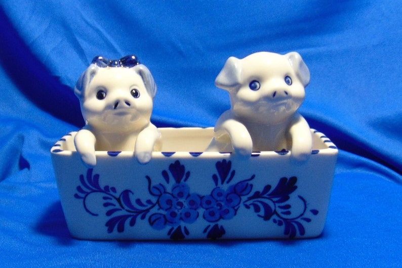 Delft Blue Shakers Sailboat Flowers Pigs In Trough Made In Holland Windmill Motif Salt Pepper Shakers Girl Boy Pigs