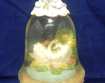 Musical Snow Globe - Plays Dance of the Sugar Plum Fairies - Two Swans in the Globe