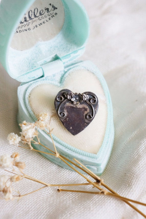 1940s Sharon sterling silver heart brooch | vintag