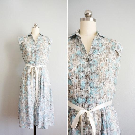 1940s Blue Roses cotton shirtdress   vintage 40s f